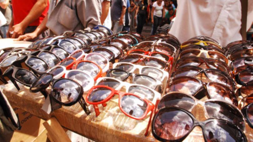 9267e6d9ba62f Por que os óculos de sol baratos podem ser um péssimo negócio para a ...