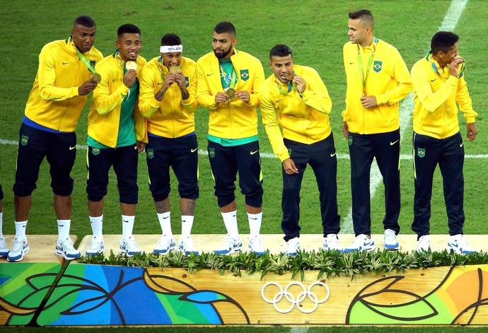 Neymar vê Brasil com autoestima após ouro olímpico e mira Copa de ... 1bd704f97bac2